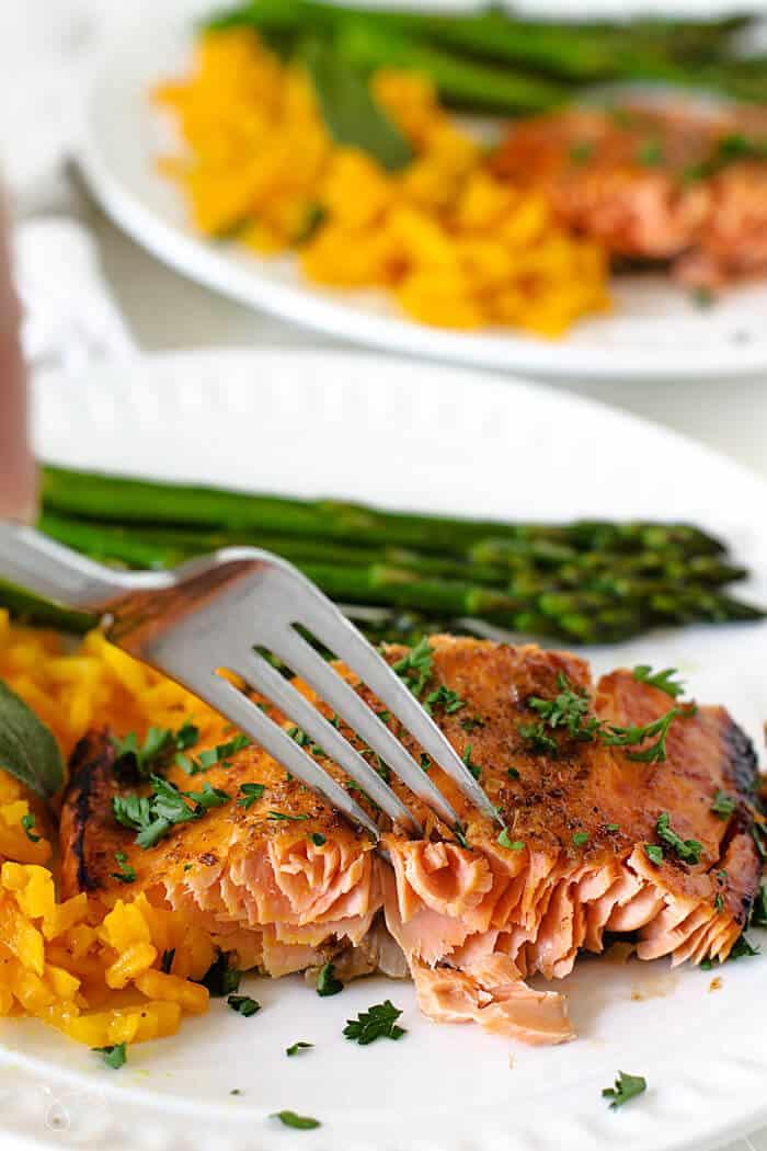 Tender salmon filet with honey mustard glaze