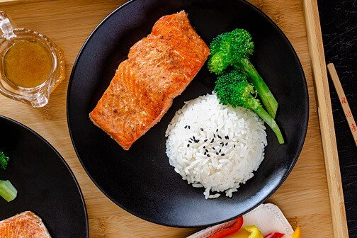 Quick and Easy Chinese Pan-Fried Salmon | All that's Jas