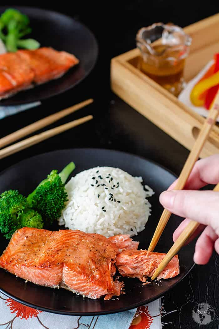 Super simple, this delicious and flaky Chinese pan-fried salmon. is quick and easy to make.