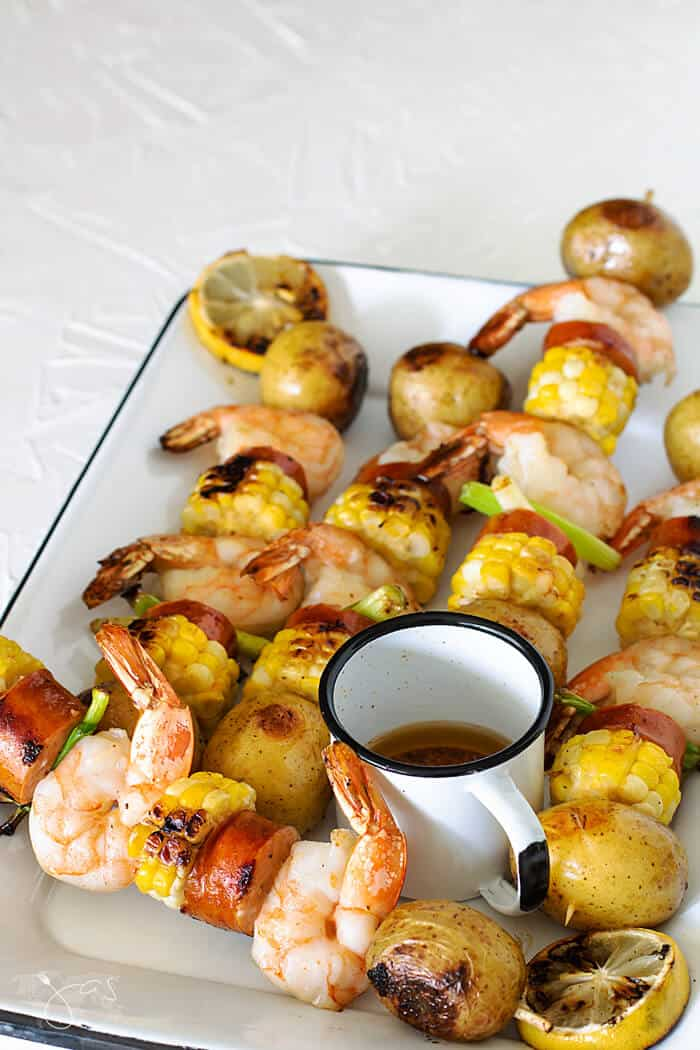 Delicious recipe for grilled shrimp on skewers