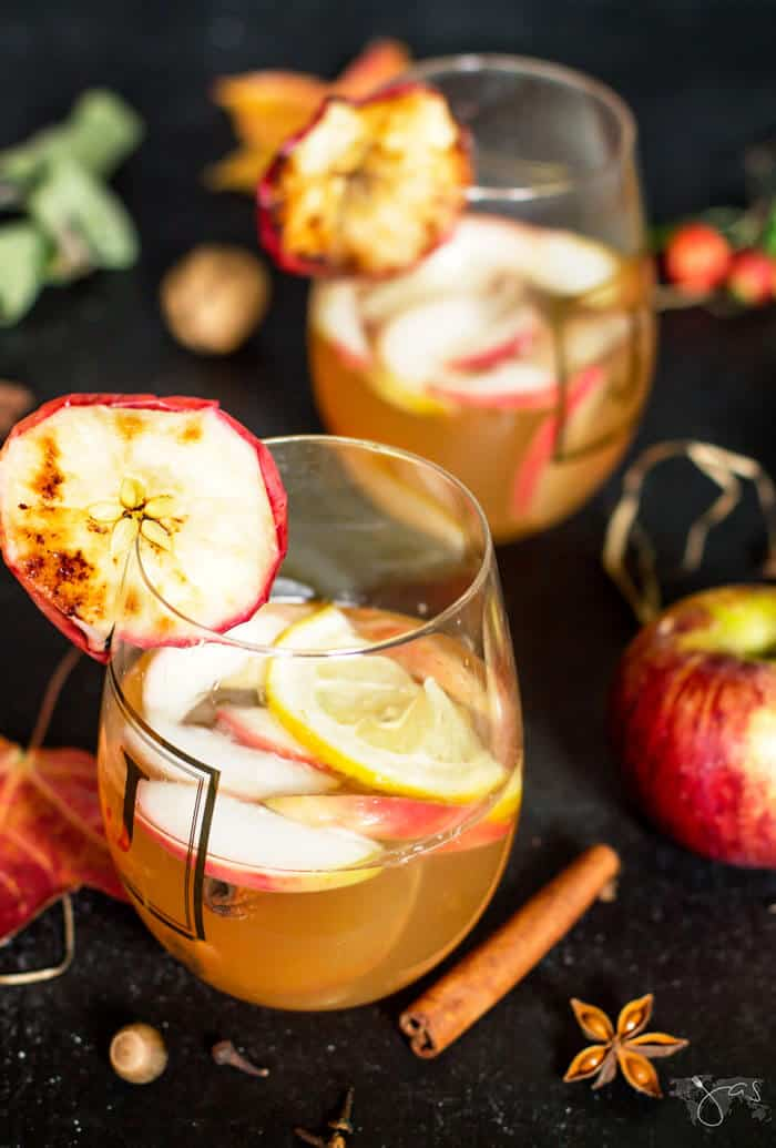 Easy and quick to make, this apple beer beverage offers comforting flavors but since it's served chilled it is also refreshing all year round.