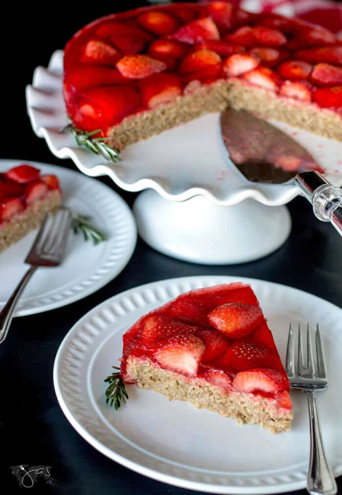 This oatmeal and strawberry cake is gluten free and full of fresh fruit.