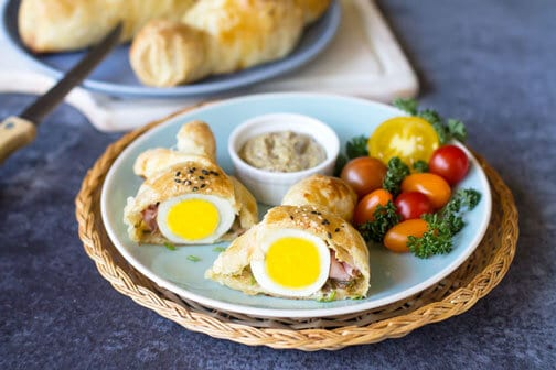 Puff Pastry Eggs with Ham and Cheese | All that's Jas