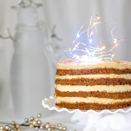 No-Bake Eggnog Gingersnap Cheesecake Cake | allthatsjas.com