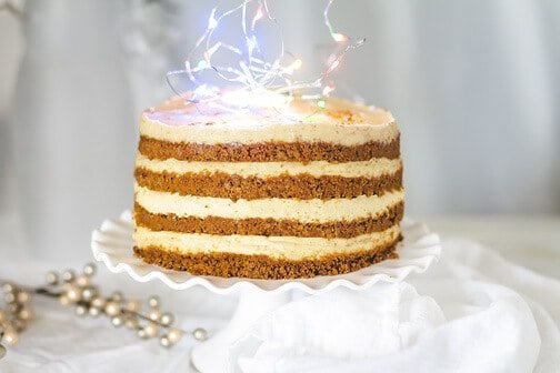 No-Bake Eggnog Gingersnap Cheesecake Cake | All that's Jas