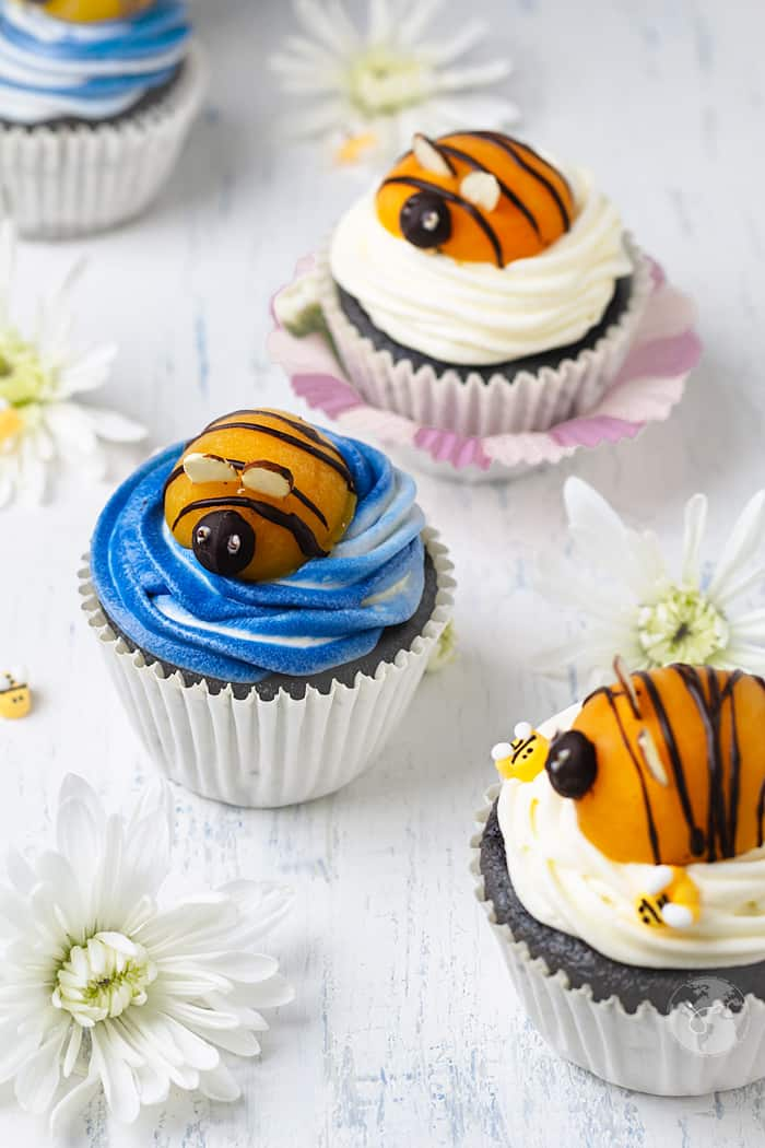Apricot bumblebees are super cute topping for the cupcakes.