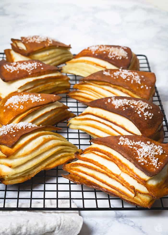 Gorgeous lines of the pretzel layers.